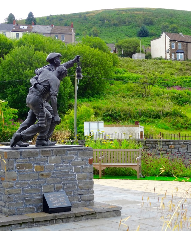 Senghenydd mine disaster monument
